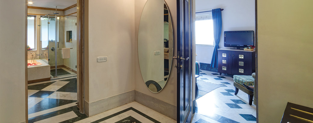 Suite-Change-Room-5-Ramada-Udaipur